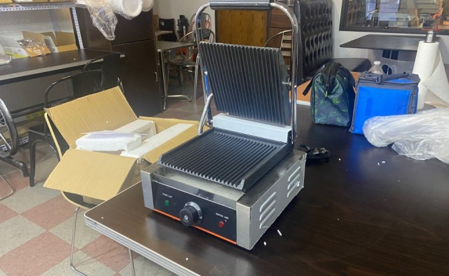 Commercial Panini Sandwich Grill  Grooved Plates Single CMR-811