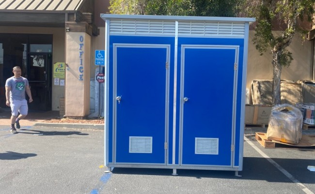 Mobile Construction Restroom Trailer dual three four station