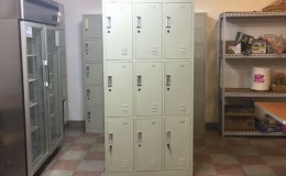9 door locker