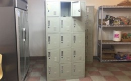15 door locker