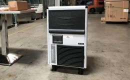 NSF 68 lb restaurant ice maker machine SK-31A