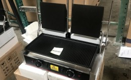 Double  flat grooved Panini Grill 022ECG42