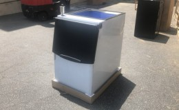 Commercial ice maker bin  230 lb