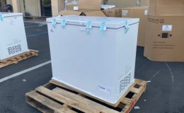 NSF 38 inches Solid Top Chest Freezer 7 cu ft XF-212