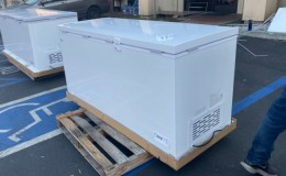 NSF 65 in Solid Top Chest freezer 18 cu ft XF-562