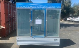 Clearance Commercial 3 Glass Door Freezer Merchandiser 21040505