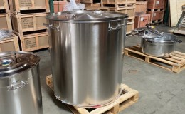 Polished Stainless Steel 750l/825qt Stock Pot D24H39